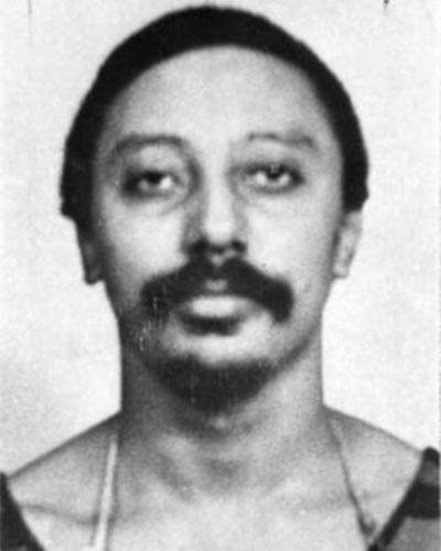 """José Jorge Saldanha, também conhecido como Zé do Bigode, também foi um dos fundadores do Comando Vermelho, vindo a ser morto em um mega-tiroteio com a polícia, em 4 de abril 1981, dois anos após fundar a facção. Na época, o CV era especializado em assaltos a bancos, e a quadrilha havia alugado um apartamento no Conjunto dos Bancários, na Ilha do Governador (RJ), para colher informações e planejar novos assaltos. Descoberto, Zé do Bigode foi encurralado em uma operação que contou com 400 policiais. Após 11 horas de tiroteio, o bandido foi abatido. O episódio deu origem ao livro """"400 contra 1"""", escrito por outro líder do CV, William da Silva Lima, obra que acabou virando filme em 2010"""