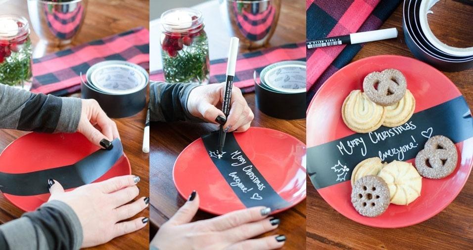 1. Transforme pratos simples em pratos de festa com fitas de papel onde você pode escrever uma mensagem ou o nome do convidado