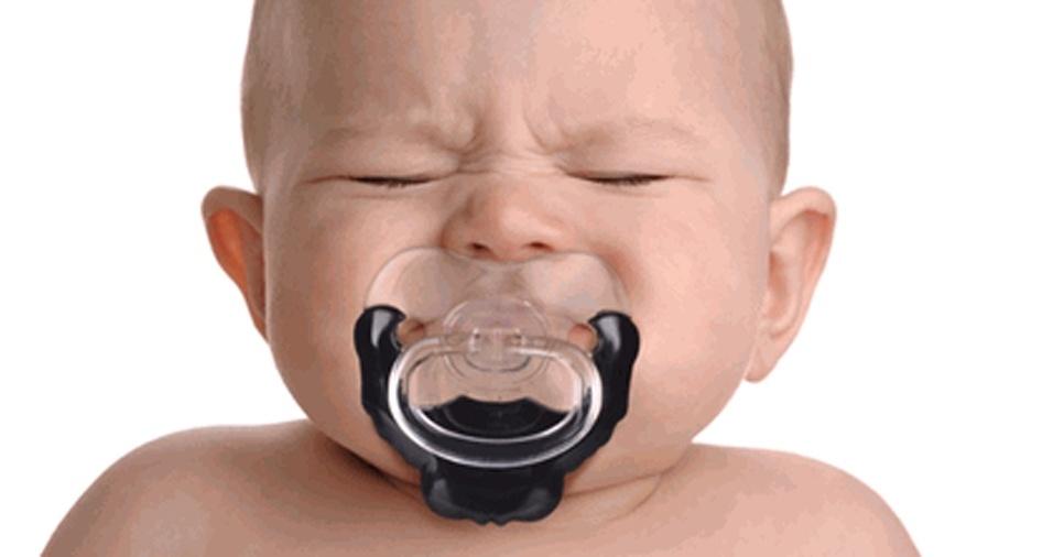 """16. Chega de bigode, este bebê """"prefere"""" manter apenas a barba"""