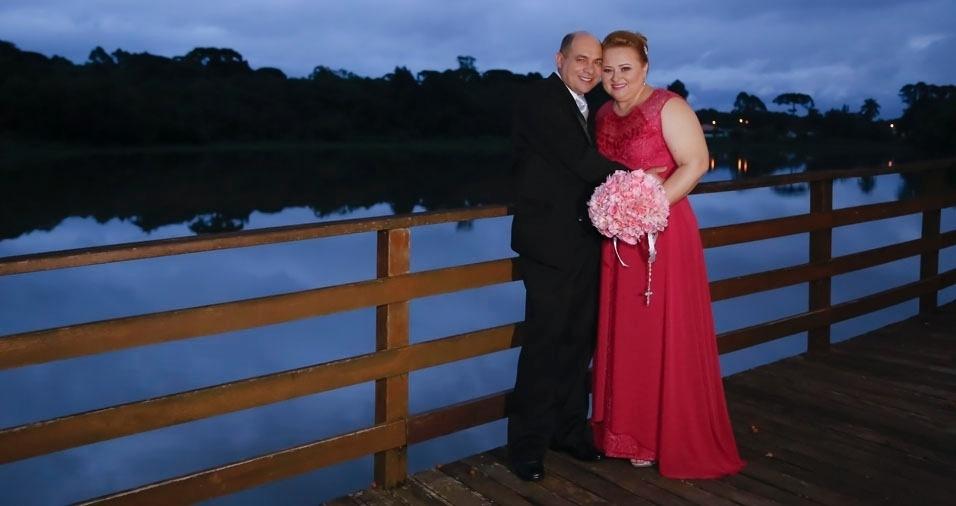 """""""Depois de 25 anos, virei noiva novamente em nossas Bodas de Prata, que aconteceram em 10 de dezembro de 2016"""", contou Janice Rudnik Scroccaro, que é casada com Valdemir Scroccaro, de Curitiba (PR)"""