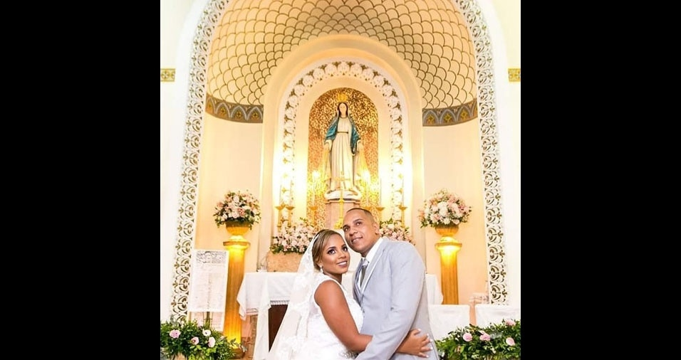 Claudiane e Antonio se casaram no Rio de Janeiro (RJ), no dia 22 de abril de 2017