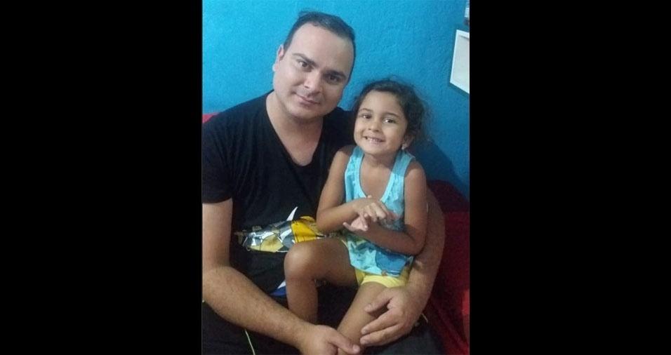Carlos Alberto Monteiro, de São Paulo (SP), enviou foto ao lado da filha Cauane Ferreira da Silva Monteiro