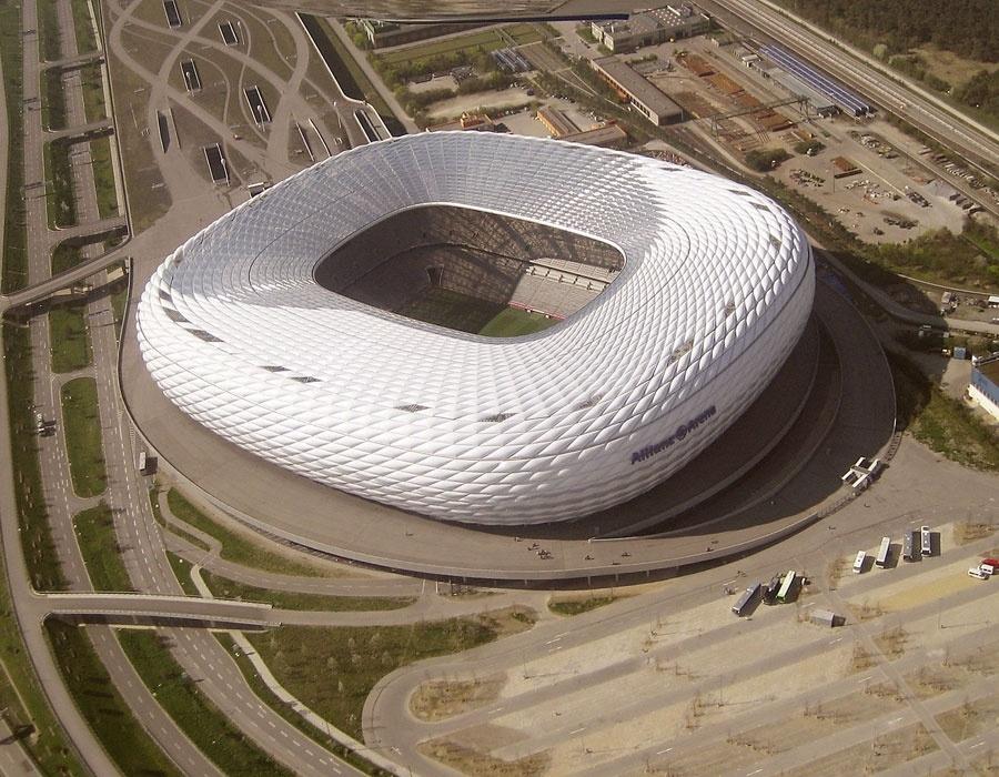 25. Arena Allianz, em Munique, Alemanha, com capacidade para 71 mil torcedores