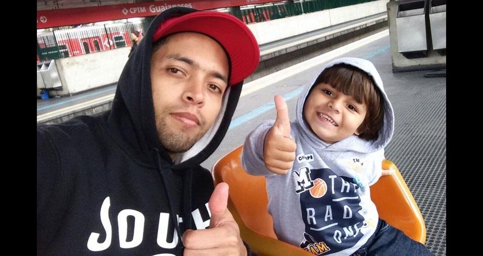 Leandro é o pai do Lucas. Eles são de Suzano (SP)
