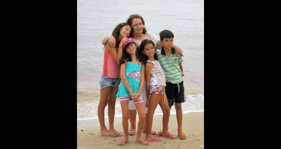 Fátima com os netos Lara, Julia, Duda e Luan, de Belo Horizonte (MG)