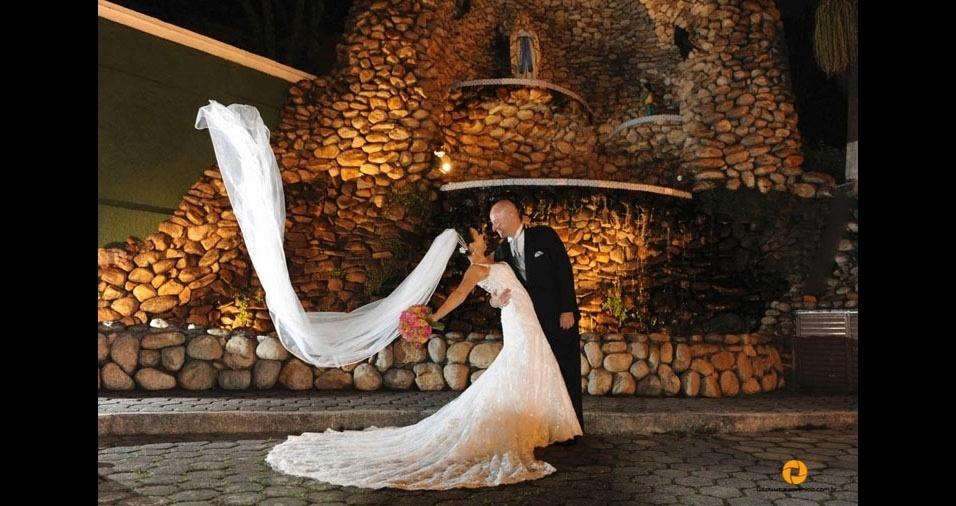 Fernando Lourenço Neto e Monique Marchelle da Costa Lourenço se casaram no dia 27 de setembro de 2014, em São Paulo (SP)