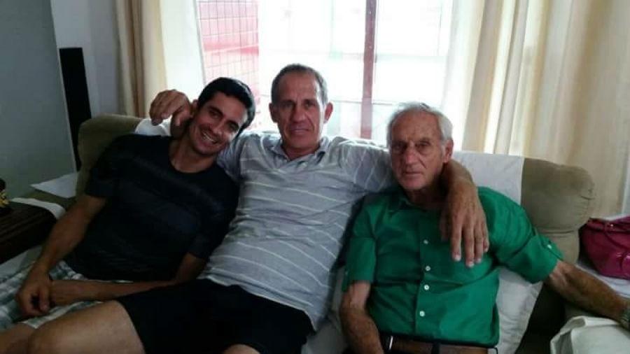 Marcos Tadeu Zanelato Junior com o pai, Marcos Tadeu Zanelato, e o avô, já falecido, Luiz Zanelato, de Mongaguá (SP)