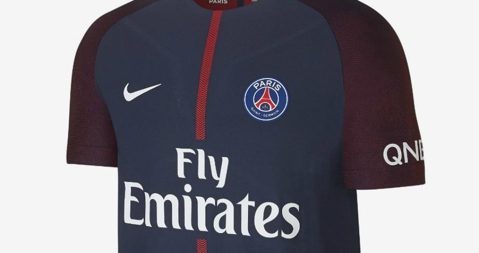 16. PSG - Os franceses escolheram deixar a tradicional listra vermelha de seu primeiro uniforme bem fina