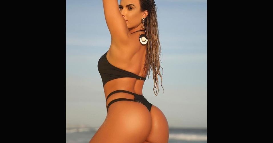 12.nov.2016 - Nicole Bahls exibe um corpo impecável em imagens postadas nas redes sociais. Os cliques foram divulgados pelo fotógrafo Davi Borges e fizeram sucesso com os fãs da beldade.