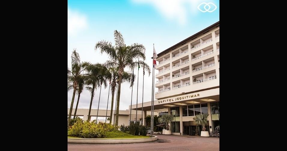 23.jan.2017 - Ao menos duas pessoas se feriram após uma explosão no hotel Sofitel Jequitimar, no Guarujá, no litoral sul de São Paulo. Veja, a seguir, imagens do estabelecimento de Silvio Santos
