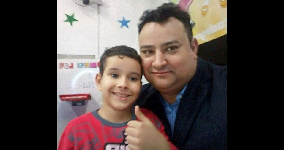 Valcir Firmino, de Jundiaí (SP), com o filho Leonardo