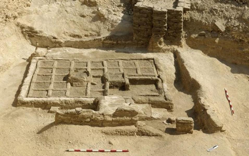 17.mai.2017 - Arqueólogos já haviam encontrado desenhos egípcios retratando jardins funerários. No entanto, só agora pesquisadores encontraram uma obra do gênero. A descoberta aconteceu em Luxor, cidade do sul do Egito, onde era a antiga Tebas