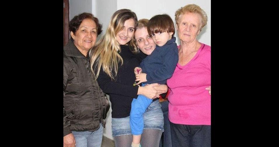 """""""Feliz dia das avós para as três vovós mais lindas da minha vida. Amo vocês"""", declara Taís Moreno, de São Paulo (SP)"""