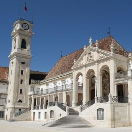 A Universidade de Coimbra foi a primeira portuguesa a firmar parceria com o MEC - Wikimedia