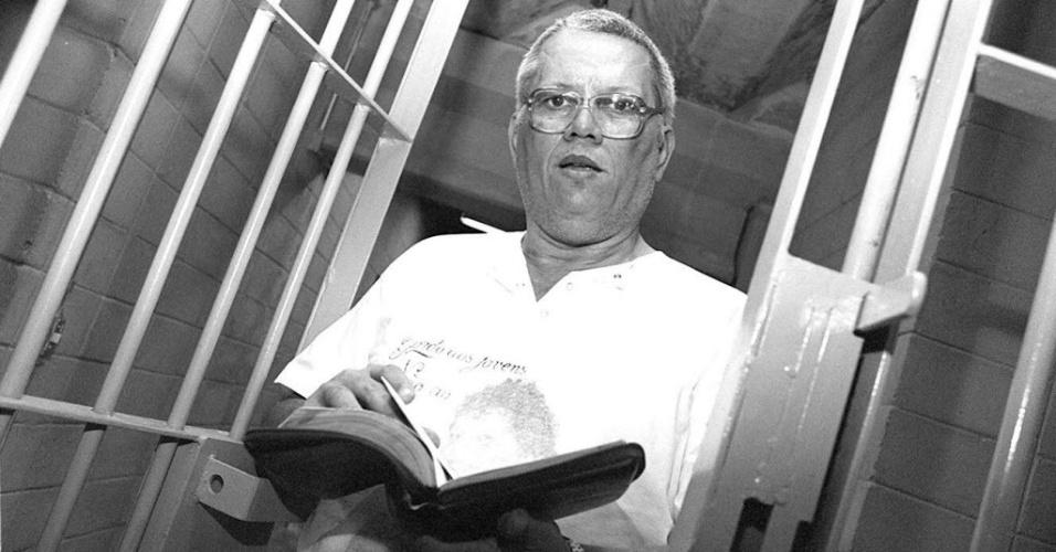 José Carlos Gregório, o Gordo, foi mais um importante membro do Comando Vermelho. Em 1985, ajudou o companheiro Escadinha a fugir da prisão em uma fuga cinematográfica, de helicóptero. Preso no final dos anos 80, Gordo foi condenado a 78 anos de prisão por assalto a banco e sequestro. Preso de bom comportamento, Gordo foi beneficiado com o regime semiaberto em 1995. Em 2001, foi encontrado morto em seu carro, com 10 tiros de pistola. A família dizia que o ex-criminoso, convertido ao evangelho na prisão, não estava envolvido com tráfico nem outros crimes. O assassinato nunca foi esclarecido