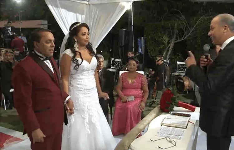 25.mai.2017 - Mostrado na internet pelo Facebook, casamento da ex-BBB Elis teve mais de 3 mil visualizações