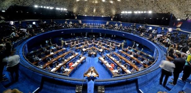 O Senado cogitou derrubar a decisão do STF, o que poderia ser considerado uma afronta a uma ordem judicial