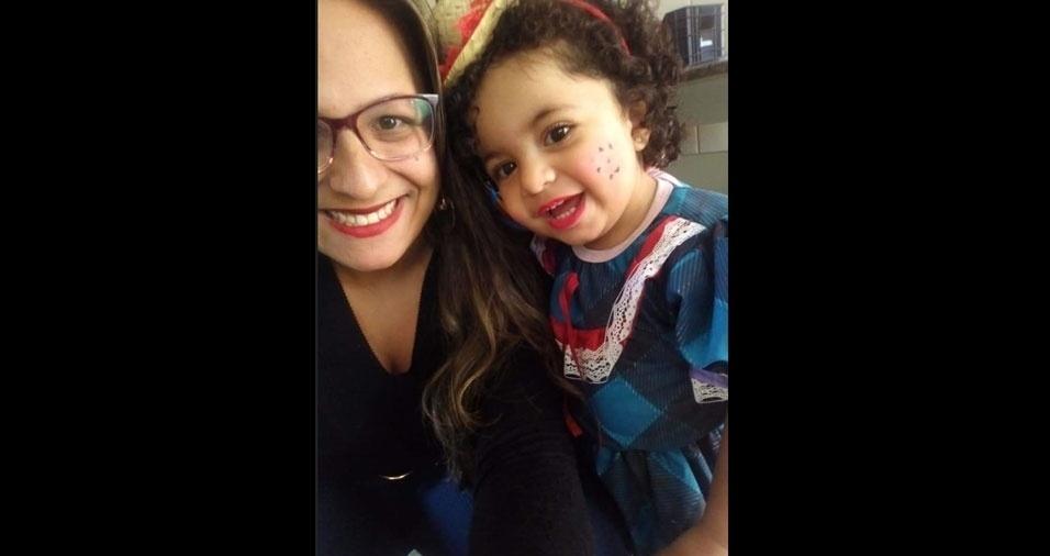 Erika F. F. Cruz e a filha Isabelly Pietra, de Rio Grande da Serra (SP)