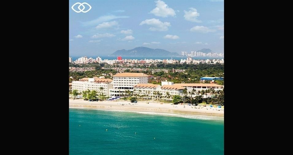 Vista da praia que dá acesso ao hotel, no Guarujá (SP)