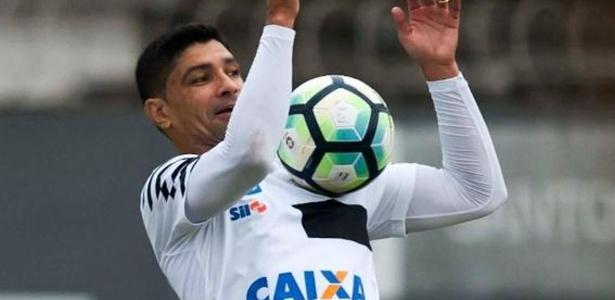 Renato foi poupado na vitória do Santos contra o Santo André no último domingo, na Vila