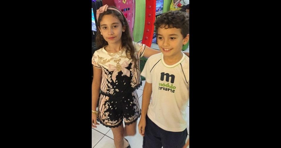 Sofia Costa Magalhães e Arthur Costa Ferreira, de Brasília, em foto enviada pela mamãe Liliana Costa Mendes
