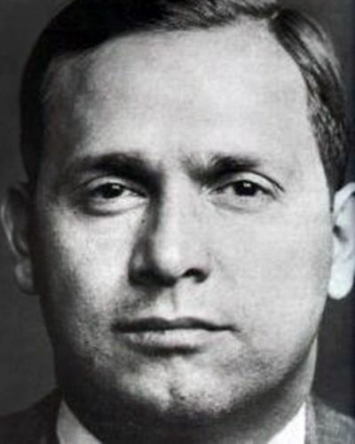 Tommy Lucchese foi o chefe da família que levava seu nome de 1951 a 1967, ano de sua morte, vítima de um tumor no cérebro, quando ele tinha 67 anos
