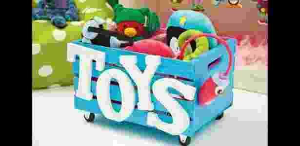 28. Caixa de brinquedos bem colorida - Reprodução/medovlab - Reprodução/medovlab