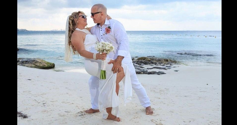 Celina Gren e Ocimar Mondego se casaram em Cancun, em 10 de maio de 2017