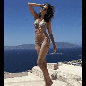 3.jun.2017 - Luciana Gimenez mostrou a barriga sequinha em foto de férias pela Europa - Reprodução/Instagram/lucianagimenez