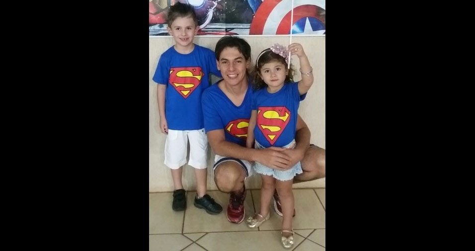 Papai Élico com os filhos Rafael e Tayla, de Urânia (SP)