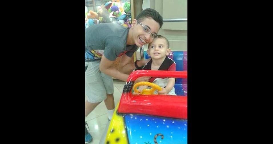 Fernanda e Cledson enviaram foto dos filhos Igor e Lucas, de Brasília (DF)
