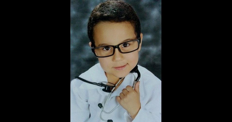 Os pais Thalita Queiroz e Vânio Paulino enviaram foto do filho Vinícius Murillo