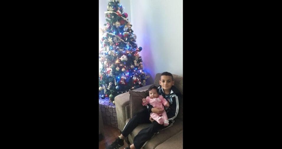 """""""Meus filhos Ryan e Natasha"""", apresenta a mamãe Patricia Almeida, de Lavras (MG)"""