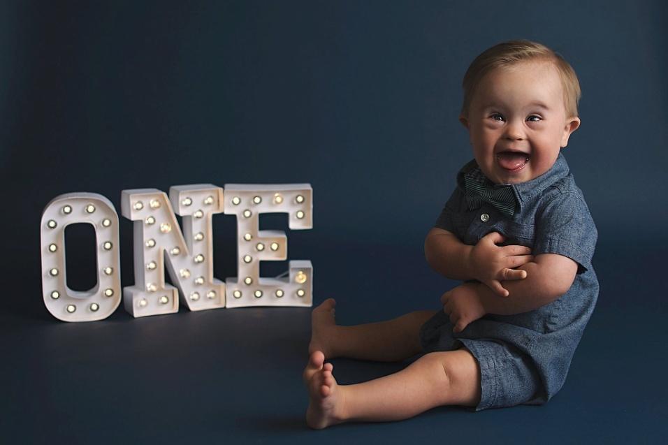 1°.nov.2016 - Os pais de Asher receberam o diagnóstico de síndrome de down durante a décima-segunda semana de gestação