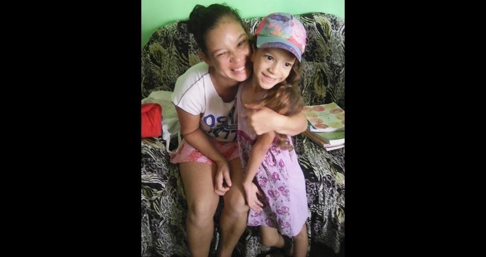 Sarah Melissa com a mamãe Cristina