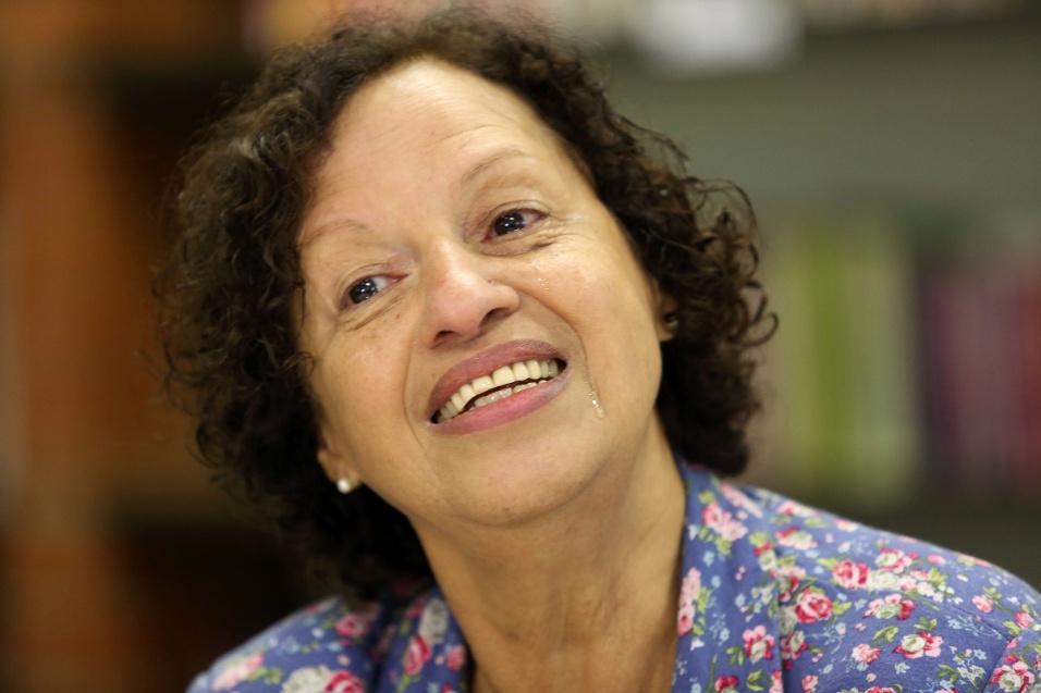 Maria Sueli Fonseca Gonçalves, de 65 anos, tornou-se educadora apenas após se aposentar da carreira pública. O sonho pode ter sido adiado, mas ela mostra com carinho a realização do grande projeto de vida
