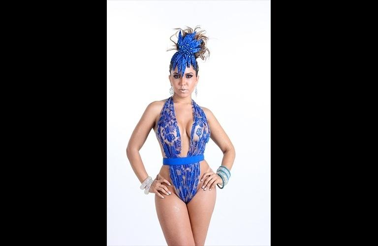 19.jan.2016 - Em um ensaio sensual, a Mulher Melão apresentou sua fantasia de Carnaval e revelou estar 7 quilos mais magra