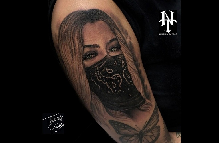 26.jan.2017 - Imagem divulgada na web pelo tatuador Thieres Paim mostra detalhes da tattoo de Rafaella Santos, irmã de Neymar