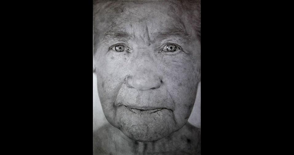 14. As manchas na pele da idosa, com todos os seus detalhes, ou mais