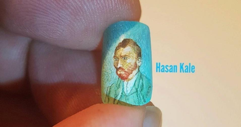 21. Até Van Gogh ficaria surpreso com esse quadro feito em uma unha