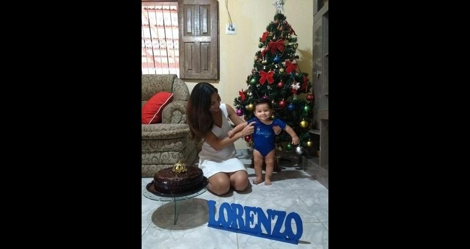 Arnoldo, de Manaus (AM), enviou foto da filha Suzy com seu netinho Lorenzo em clima de Natal