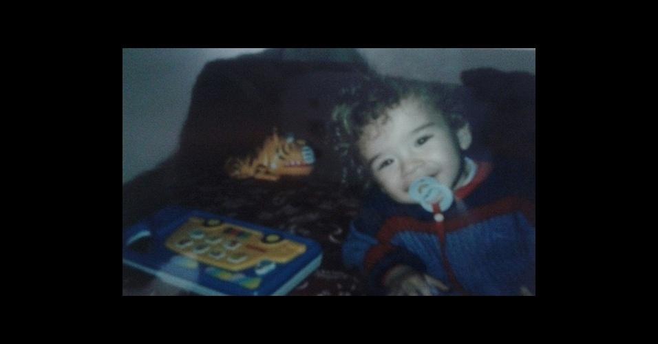 O Bruno Madrid era um bebê muito fofo quando o BOL foi lançado, em 1996. Ele tinha apenas 1 aninho! Tem mamãe que vai ficar com saudade...