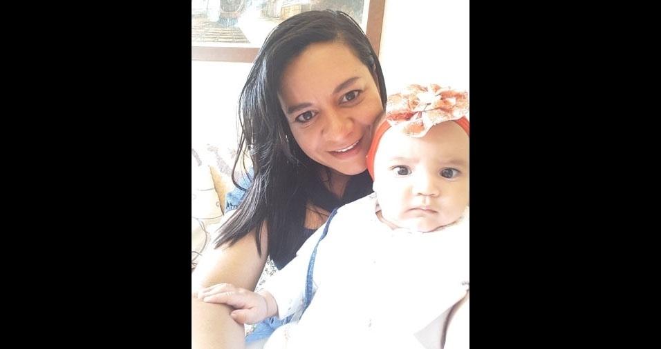 Mamãe Vanusa com a filhinha Laysa, de Vinhedo (SP)