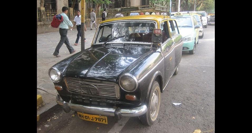 17. Em Mumbai, na Índia, os táxis são de várias cores