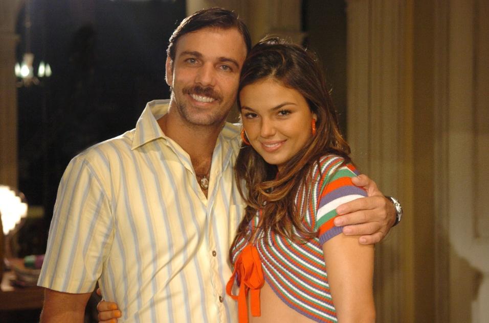 "3.set.2008 - Robson (Marcelo Faria) e Rakelli (Isis Valverde), personagens da novela ""Beleza Pura"""