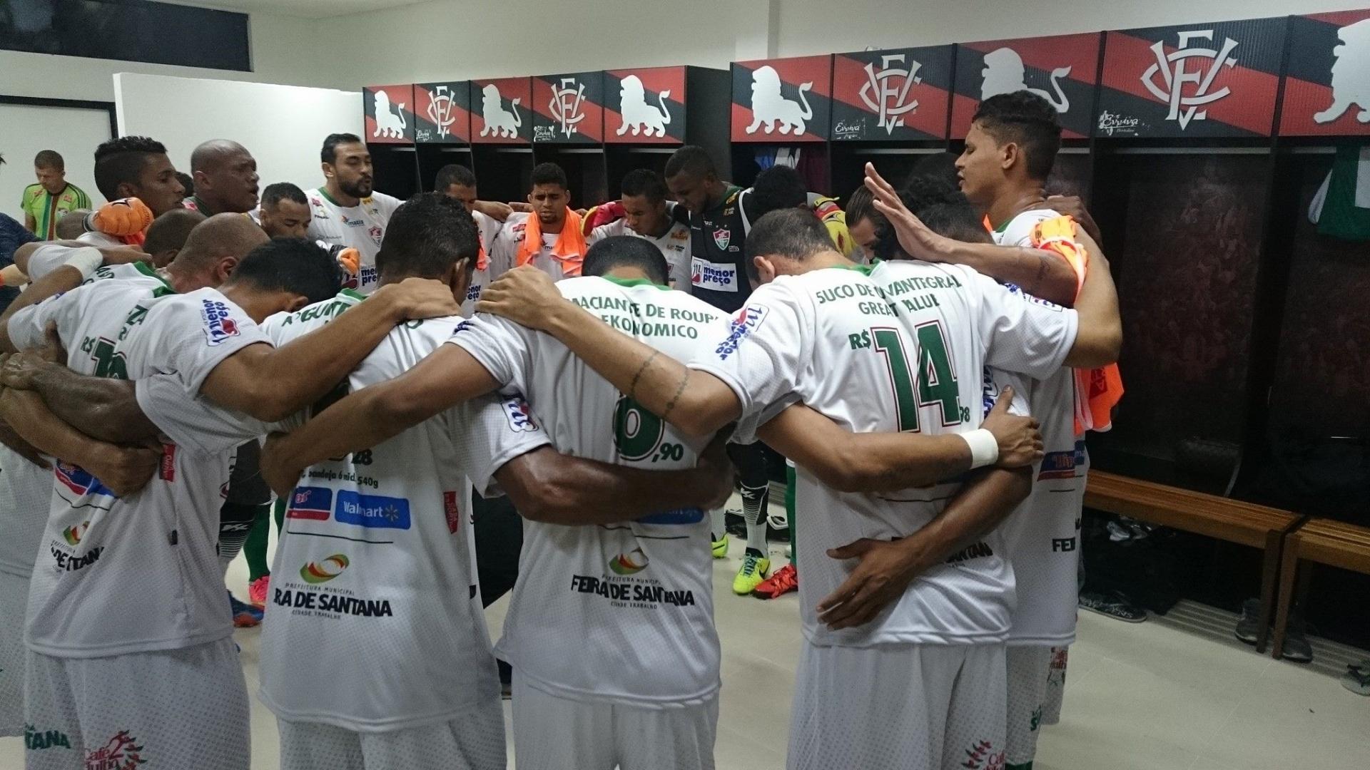 O gerente ficou louco  Supermercado anuncia preços na camisa de clube  baiano - Esporte - BOL 7d77827b1f1f2