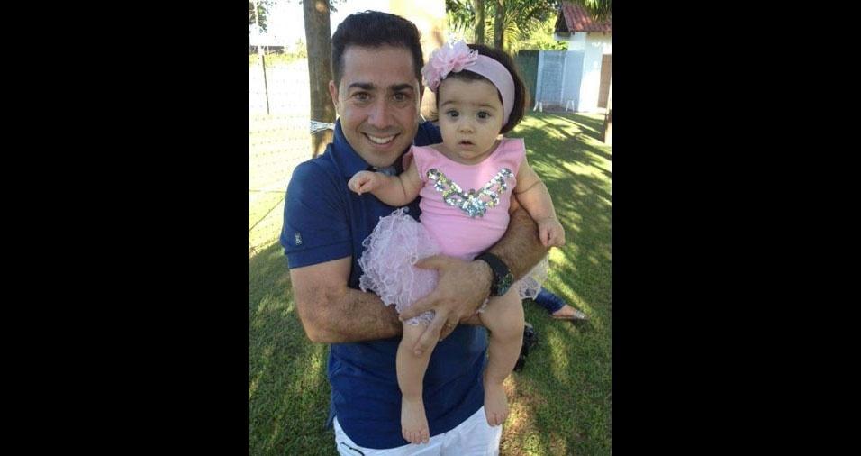 Robson Mozelli  e sua filha Alice, de Cianorte (PR)