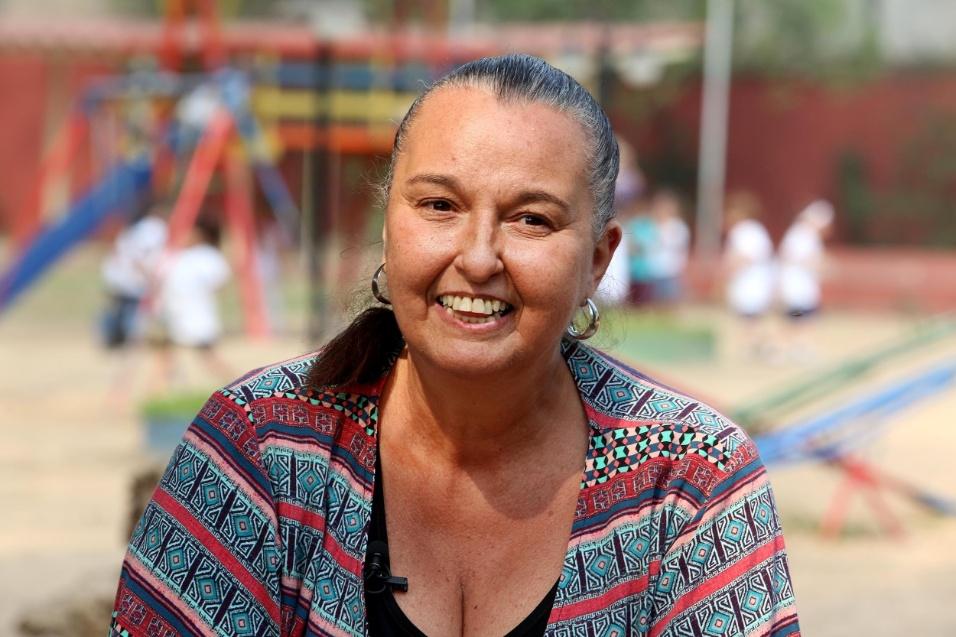 Professora Cibele. Cibele tem 57 anos. Trinta e sete deles foram dedicados somente à rede pública de ensino. Nos últimos 12 anos, ela aceitou o desafio de gerir uma grande escola na zona norte de São Paulo