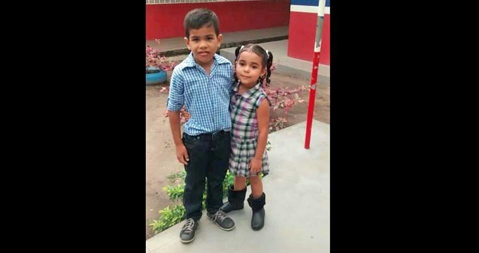 Lucidalva e Augusto enviaram a foto dos filhos Maria e Alecsander