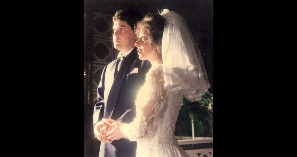 Carlinhos Pinho, de Descalvado (SP), conta que, em 13 de setembro de 1996 se casou com Carla